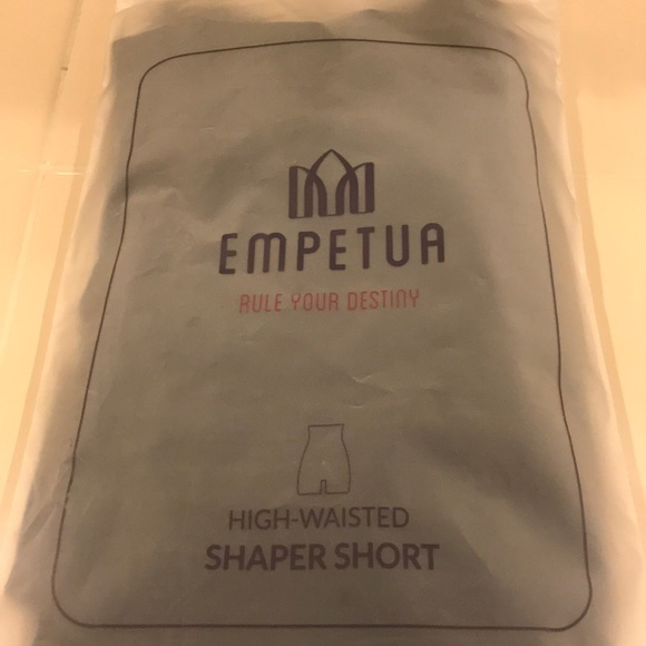1e67b0acb4e Brand new Empetua high waisted shaper short